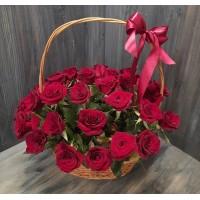 Корзина 33 красные розы